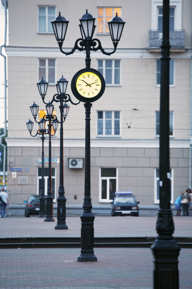 Купить городские уличные часы зиппо часы купить