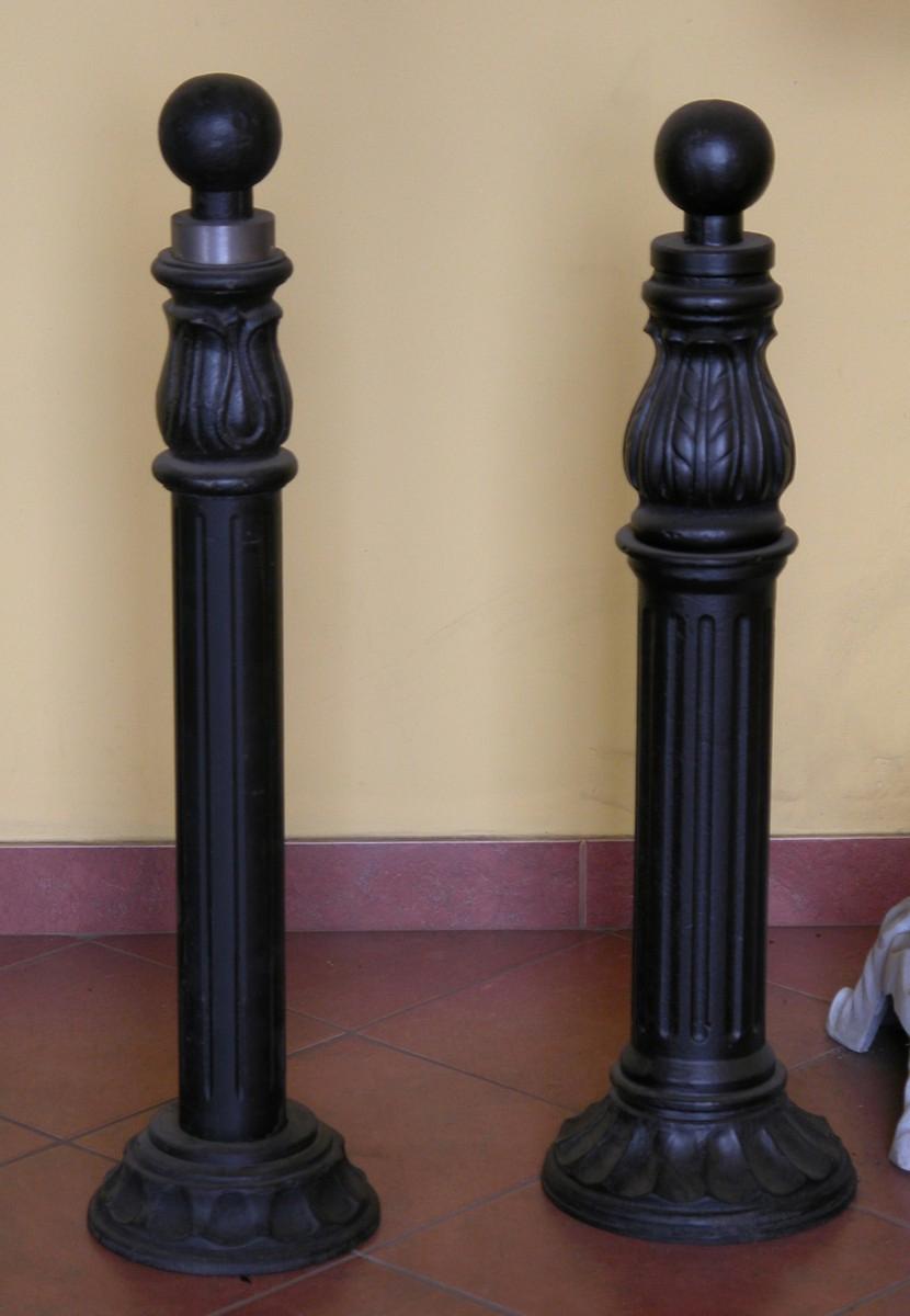 Столбы металлические украшенные фото